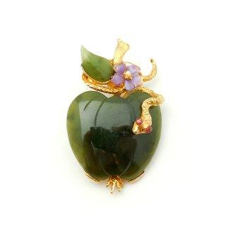 【激レア】SWOBODA(スワボダ)☆ヒスイとアメジスト天然石 リンゴに巻きつくヘビのヴィンテージ・ブローチ