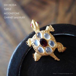 SWOBODA(スワボダ)☆天然石ムーンストーンとガーネット、ルビーの瞳  亀のヴィンテージ・ブローチ【デッドストック】