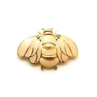 TRIFARI(トリファリ)☆Bumble Bee エナメル・アイボリー蜂のブローチ【タグ付き】