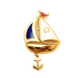 AVON(エイボン)☆「Ship Ahoy」イカリが揺れるヨットのブローチ