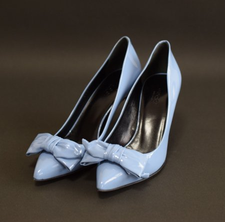 <img class='new_mark_img1' src='//img.shop-pro.jp/img/new/icons50.gif' style='border:none;display:inline;margin:0px;padding:0px;width:auto;' />GUCCI RIBBON PATENT PUMPS BLUE