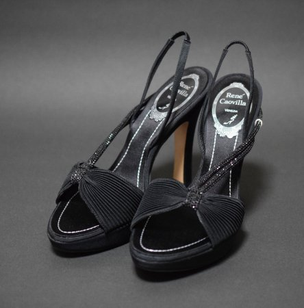 <img class='new_mark_img1' src='//img.shop-pro.jp/img/new/icons50.gif' style='border:none;display:inline;margin:0px;padding:0px;width:auto;' />RENE CAOVILLA BLACK STRAP SHOES
