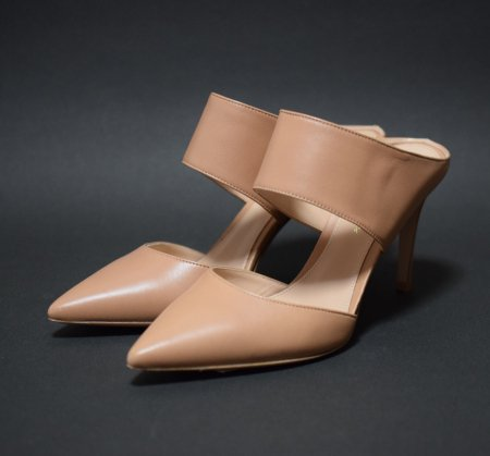 <img class='new_mark_img1' src='https://img.shop-pro.jp/img/new/icons50.gif' style='border:none;display:inline;margin:0px;padding:0px;width:auto;' />GIANVITO ROSSI POINTED MULE