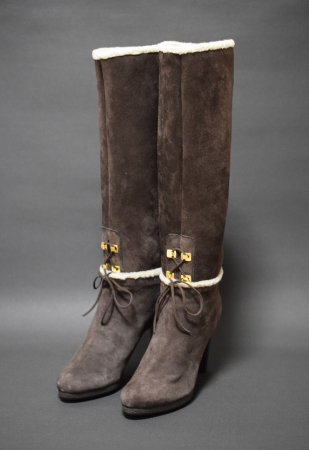 <img class='new_mark_img1' src='https://img.shop-pro.jp/img/new/icons50.gif' style='border:none;display:inline;margin:0px;padding:0px;width:auto;' />SERGIO ROSSI SUEDE BOA LONG BOOTS