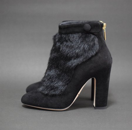 <img class='new_mark_img1' src='https://img.shop-pro.jp/img/new/icons50.gif' style='border:none;display:inline;margin:0px;padding:0px;width:auto;' />DOLCE&GABBANA FUR BOOTEE