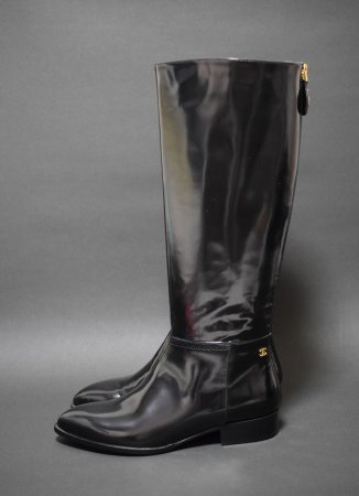 <img class='new_mark_img1' src='//img.shop-pro.jp/img/new/icons50.gif' style='border:none;display:inline;margin:0px;padding:0px;width:auto;' />CHANEL LONG LEATHER BIKER BOOTS