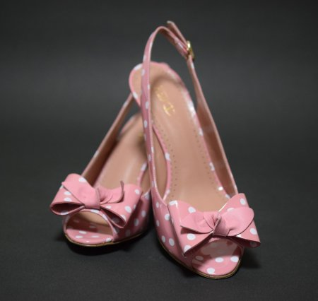 <img class='new_mark_img1' src='//img.shop-pro.jp/img/new/icons50.gif' style='border:none;display:inline;margin:0px;padding:0px;width:auto;' />RED VALENTINO DOT RIBBON SANDAL