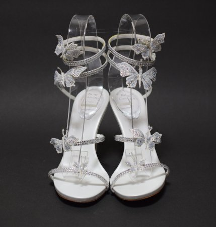 <img class='new_mark_img1' src='https://img.shop-pro.jp/img/new/icons50.gif' style='border:none;display:inline;margin:0px;padding:0px;width:auto;' />RENE CAOVILLA BUTTERFLY SANDAL
