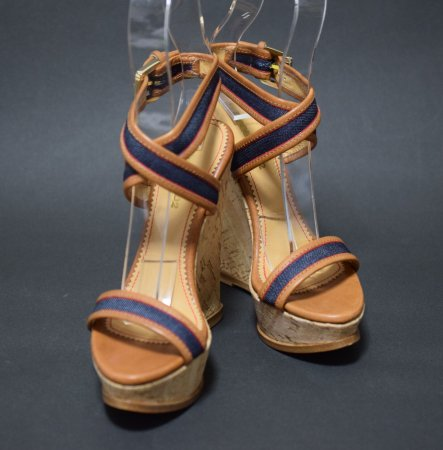 <img class='new_mark_img1' src='https://img.shop-pro.jp/img/new/icons50.gif' style='border:none;display:inline;margin:0px;padding:0px;width:auto;' />DSQUARED CAMEL DENIM WEDGE SANDAL