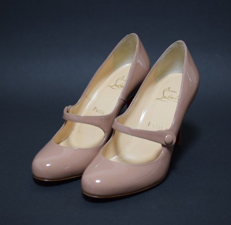 <img class='new_mark_img1' src='//img.shop-pro.jp/img/new/icons50.gif' style='border:none;display:inline;margin:0px;padding:0px;width:auto;' />CHRISTIAN LOUBOUTIN ROUND TOE PUMPUS JAZZ NUDE