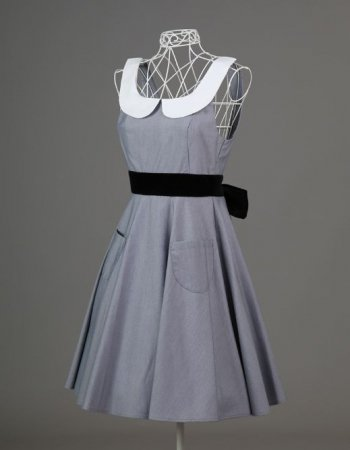 <img class='new_mark_img1' src='https://img.shop-pro.jp/img/new/icons50.gif' style='border:none;display:inline;margin:0px;padding:0px;width:auto;' />ROYAL STYLE APRON AUDREY GRAY