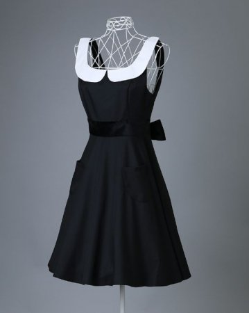 <img class='new_mark_img1' src='https://img.shop-pro.jp/img/new/icons50.gif' style='border:none;display:inline;margin:0px;padding:0px;width:auto;' />ROYAL STYLE APRON AUDREY BLACK