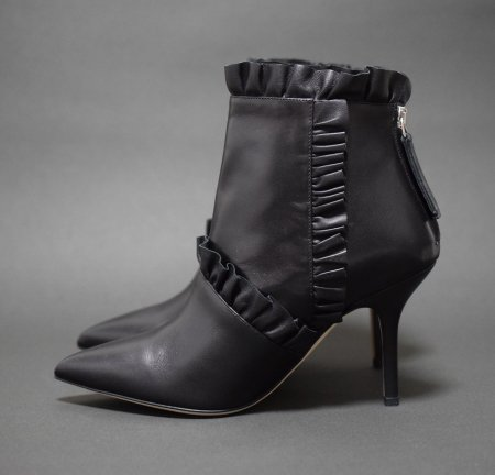 <img class='new_mark_img1' src='https://img.shop-pro.jp/img/new/icons50.gif' style='border:none;display:inline;margin:0px;padding:0px;width:auto;' />CHRISTOPHER KANE FRILL BOOTEE