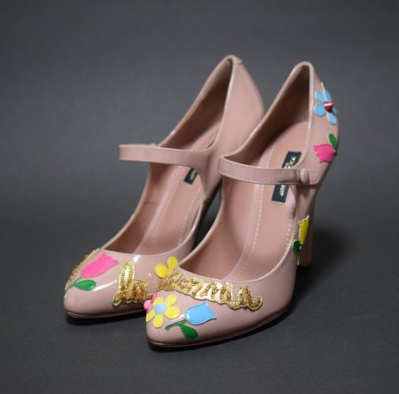<img class='new_mark_img1' src='https://img.shop-pro.jp/img/new/icons50.gif' style='border:none;display:inline;margin:0px;padding:0px;width:auto;' />DOLCE&GABBANA FLOWER STRAP PUMPS