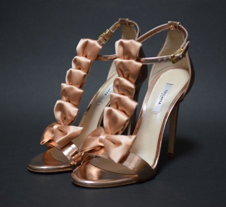 <img class='new_mark_img1' src='//img.shop-pro.jp/img/new/icons50.gif' style='border:none;display:inline;margin:0px;padding:0px;width:auto;' />OLGANA PARIS SATIN RIBBON METALIC SANDAL