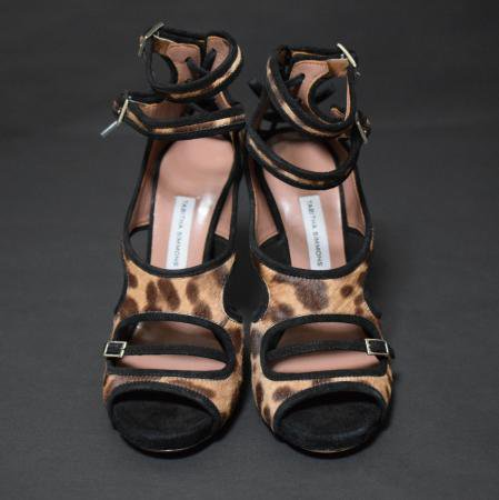 <img class='new_mark_img1' src='https://img.shop-pro.jp/img/new/icons50.gif' style='border:none;display:inline;margin:0px;padding:0px;width:auto;' />TABITHA SIMMONS LEOPARD SANDAL