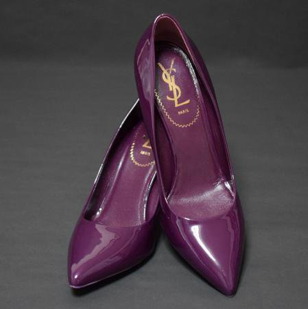 <img class='new_mark_img1' src='//img.shop-pro.jp/img/new/icons50.gif' style='border:none;display:inline;margin:0px;padding:0px;width:auto;' />SAINT LAURENT PATENT PUMPS PURPLE