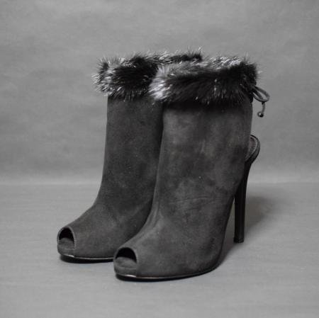 <img class='new_mark_img1' src='//img.shop-pro.jp/img/new/icons50.gif' style='border:none;display:inline;margin:0px;padding:0px;width:auto;' />GIAMBATTISTA VALLI MINK SUEDE BOOTEE