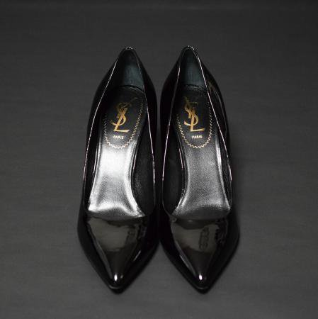<img class='new_mark_img1' src='//img.shop-pro.jp/img/new/icons50.gif' style='border:none;display:inline;margin:0px;padding:0px;width:auto;' />SAINT LAURENT PATENT PUMPS