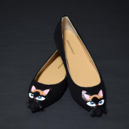 <img class='new_mark_img1' src='//img.shop-pro.jp/img/new/icons50.gif' style='border:none;display:inline;margin:0px;padding:0px;width:auto;' />DSQUARED SUEDE CAT FLAT