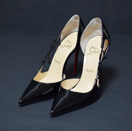 <img class='new_mark_img1' src='//img.shop-pro.jp/img/new/icons50.gif' style='border:none;display:inline;margin:0px;padding:0px;width:auto;' />CHRISTIAN LOUBOUTIN POINTED PUMPUS