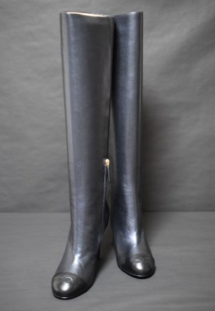 <img class='new_mark_img1' src='https://img.shop-pro.jp/img/new/icons50.gif' style='border:none;display:inline;margin:0px;padding:0px;width:auto;' />CHANEL LONG LEATHER BOOTS