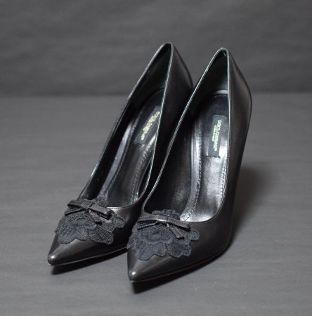 <img class='new_mark_img1' src='https://img.shop-pro.jp/img/new/icons50.gif' style='border:none;display:inline;margin:0px;padding:0px;width:auto;' />DOLCE&GABBANA POINTED LACE PUMPS