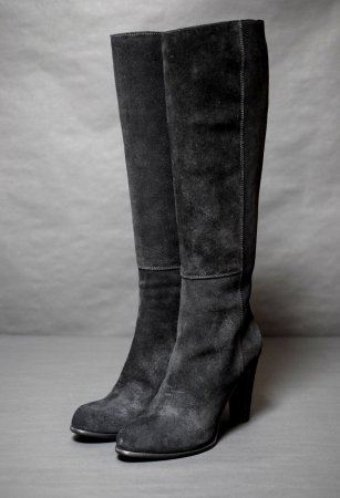 <img class='new_mark_img1' src='https://img.shop-pro.jp/img/new/icons50.gif' style='border:none;display:inline;margin:0px;padding:0px;width:auto;' />SERGIO ROSSI SUEDE LONG BOOTS