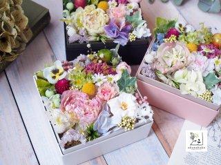 《選べるメッセージタグ付◎母の日・結婚祝い・誕生日》プリザーブドフラワーのボックスアレンジメント ohanabako-giftbox