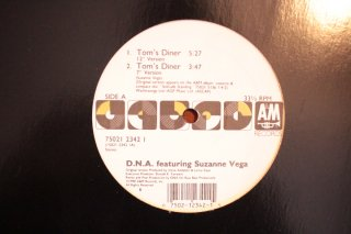 D.N.A. featuring SUZANNE VEGA / TOM'S DINNER (USED 12INCH)