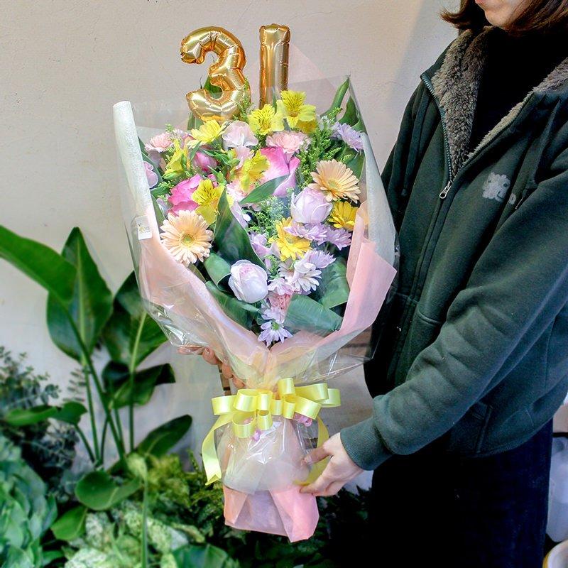 文字バルーン付き花束