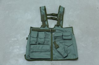 <img class='new_mark_img1' src='//img.shop-pro.jp/img/new/icons5.gif' style='border:none;display:inline;margin:0px;padding:0px;width:auto;' />TACTICAL VEST(OLIVE)