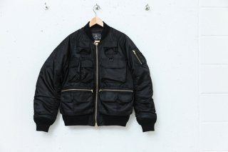 <img class='new_mark_img1' src='//img.shop-pro.jp/img/new/icons5.gif' style='border:none;display:inline;margin:0px;padding:0px;width:auto;' />MULTI POCKET BOMBER JACKET(BLACK)