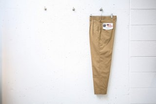 <img class='new_mark_img1' src='//img.shop-pro.jp/img/new/icons5.gif' style='border:none;display:inline;margin:0px;padding:0px;width:auto;' />Sport Slacks(BEIGE)