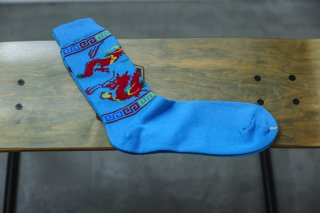 <img class='new_mark_img1' src='//img.shop-pro.jp/img/new/icons5.gif' style='border:none;display:inline;margin:0px;padding:0px;width:auto;' />WHIMSY 32/1 DRAGON SOCKS(TURQUISE)