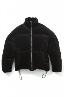 <img class='new_mark_img1' src='//img.shop-pro.jp/img/new/icons5.gif' style='border:none;display:inline;margin:0px;padding:0px;width:auto;' />BIG VELVET DOWN JACKET(BLACK)