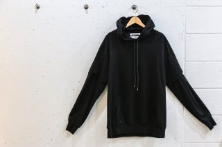 <img class='new_mark_img1' src='//img.shop-pro.jp/img/new/icons5.gif' style='border:none;display:inline;margin:0px;padding:0px;width:auto;' />Layered double sleeve parka(BLACK)