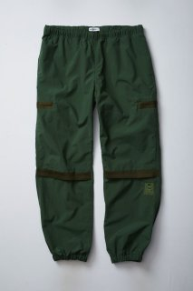 <img class='new_mark_img1' src='//img.shop-pro.jp/img/new/icons5.gif' style='border:none;display:inline;margin:0px;padding:0px;width:auto;' />NYLON TRACK PANTS(OLIVE)