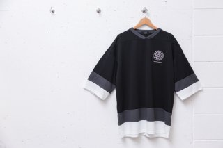 <img class='new_mark_img1' src='//img.shop-pro.jp/img/new/icons5.gif' style='border:none;display:inline;margin:0px;padding:0px;width:auto;' />SMALL MAGIC CIRCLE HOCKEY SHIRT (BLACK)