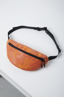 <img class='new_mark_img1' src='//img.shop-pro.jp/img/new/icons5.gif' style='border:none;display:inline;margin:0px;padding:0px;width:auto;' />LABEL WAIST POUCH(ORANGE)