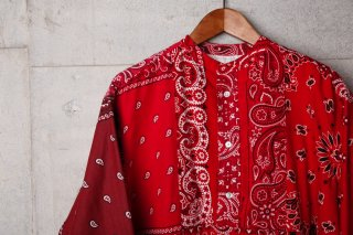 <img class='new_mark_img1' src='//img.shop-pro.jp/img/new/icons5.gif' style='border:none;display:inline;margin:0px;padding:0px;width:auto;' />VINTAGE BANDANA PATCHWORK PO SHIRT(RED)