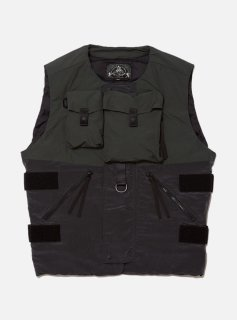 <img class='new_mark_img1' src='//img.shop-pro.jp/img/new/icons5.gif' style='border:none;display:inline;margin:0px;padding:0px;width:auto;' />BODY ARMOUR DOWN VEST(SMOKY BLACK)