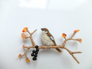 紅葉と雀のブローチ