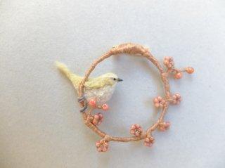 梅とウグイスのブローチ