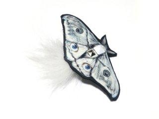 レザーブローチ【moth】