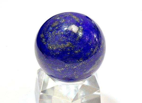 ★藍色の発色の良いラピスは希少です!!<BR>ラピスラズリ3Aのスフィア(丸玉)  直径約27mm<br>アフガニスタン産