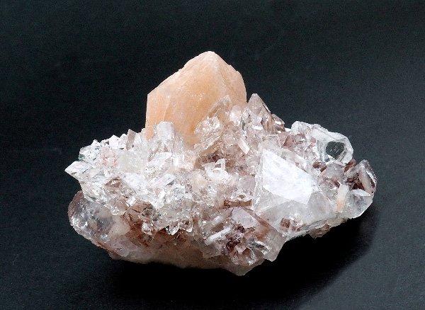 原石<br>アポフィライトのクラスター<br>インド産