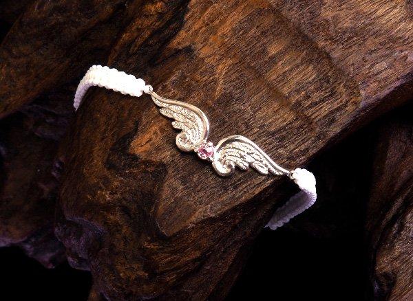 ★SV925シルバーブレスレット  <BR>ピンクサファイア エンジェルの翼チャームブレスレット<BR> ホワイト×ピンク腕回り:約14〜19cm