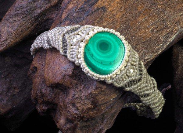 ★手作りブレスレット!!<br>マラカイト<br>マクラメ編みブレスレット腕回り:約14〜16cm<br>コンゴ産
