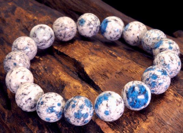 世界第2位であるK2のみで産出される石<br>ヒマラヤK2ブルー(グラナイトインアズライト)のブレスレット約12mm(17粒)<br>パキスタン・ギルギット・バルティスタン州